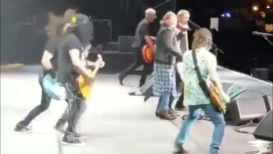 Article heading image for WATCH: Foo Fighters Join Guns N' Roses LIVE On Stage